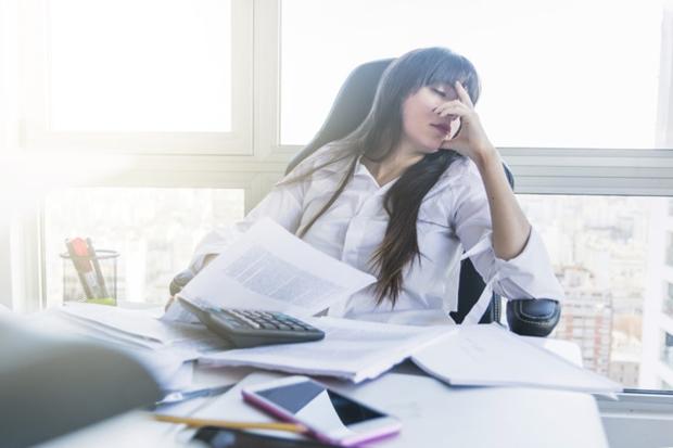 Empreendedora com problemas em contabilidade para profissionais contábeis
